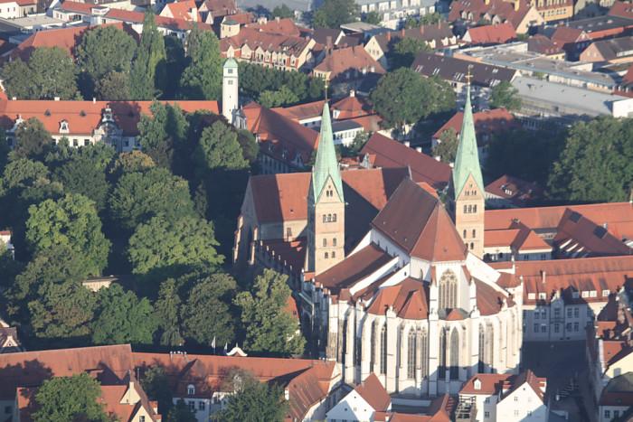 Augsburger Dom aus der Luft